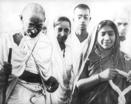 mahatma-sarojini-naidu-during-salt-satyagraha-of-1930